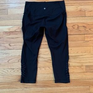 Lululemon black yoga crop pants size 12
